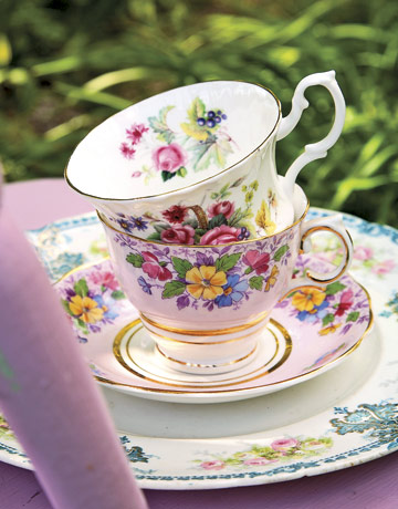 Tea-party-teacups-rep0507-de Country Living
