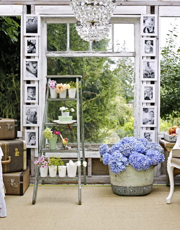 Ladder-flower-pots-de-50910689 Country Living