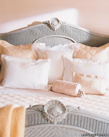 Mla102768_0507_pillows_xl Martha Stewart
