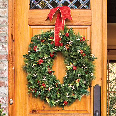 Oval-wreath-l Southern Living