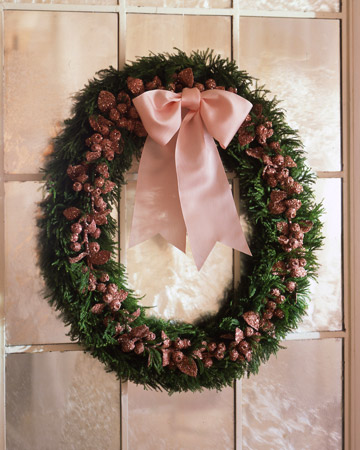 Living_glitter_berrywreath_xl Martha Stewart