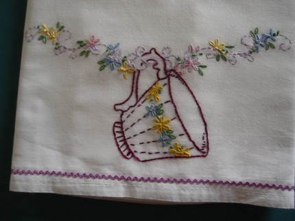 Embroidered_garland_and_cup_7